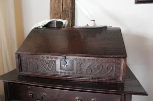 witch-house-desk